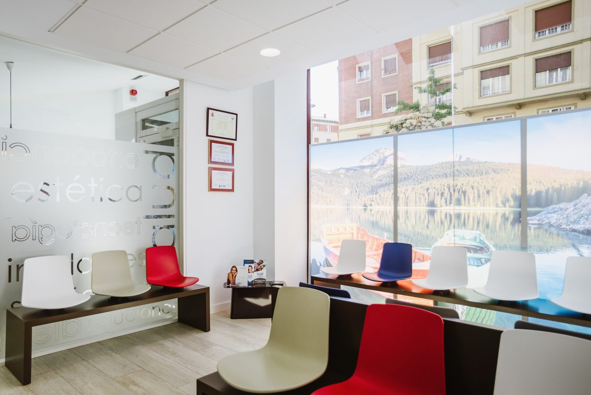 sala_espera_clinica_dental_alava